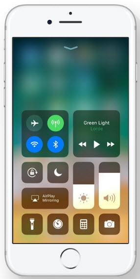 iOS 11 customizable Control Center