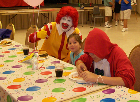 Ronald McDonald surprised Candlelighters kids at Pine Lake Country Club's annual Day of Sharing